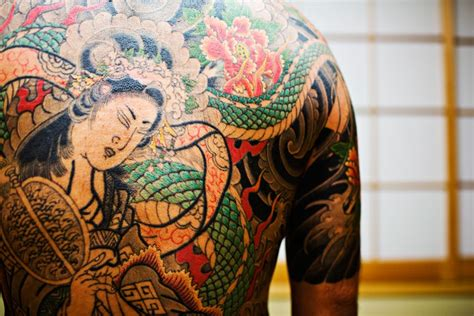 yakuza tattoo flower amazing stuff 187 nsfw amazing yakuza tattoos