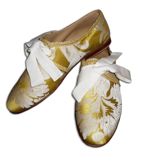 papal slippers the shoe aristocat habemus papam franciscum ditches