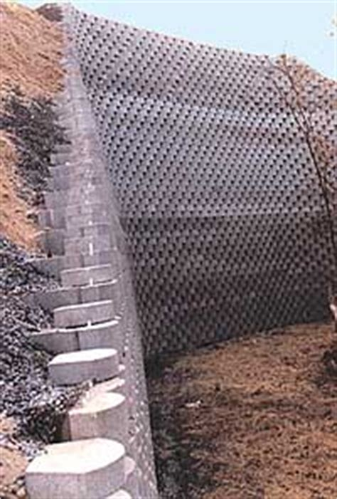 modular block retaining wall goes up more easily, costs less