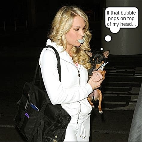 carrie underwood dogs carrie underwood chews gum and walks at the same time