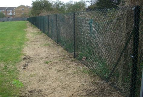 chain link fence post chain link fencing contractors rainham essex chain link fencing supplied and erected in