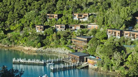 bay   coves resort marlborough sounds majestic