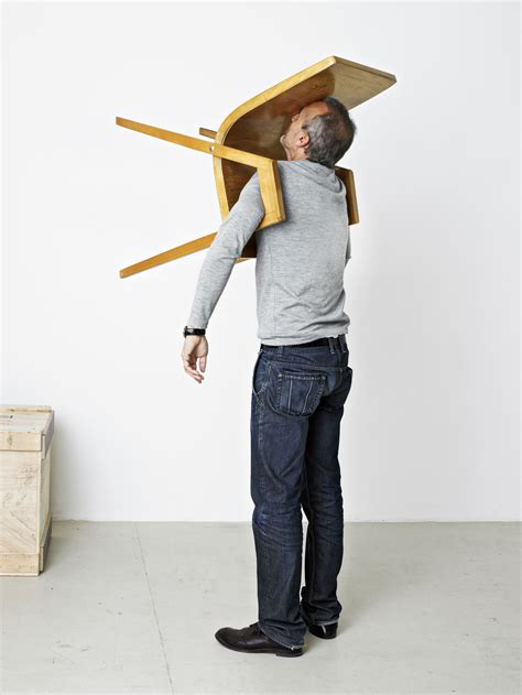 Putz F R Au En 874 by Erwin Wurm S One Minute Sculptures Are Refreshing