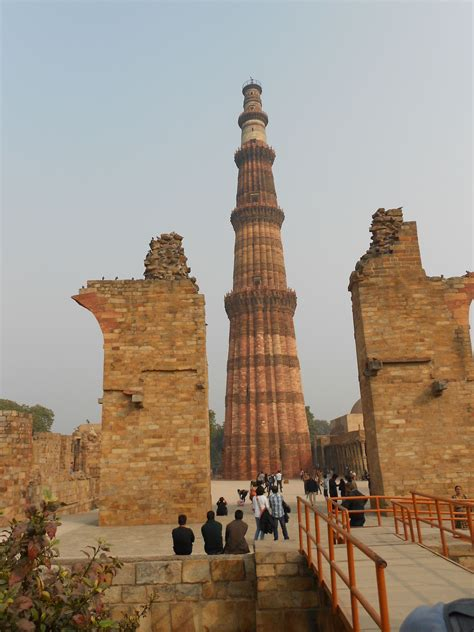 qutub minar biography in english file at qutub minar new delhi 05 jpg wikimedia commons