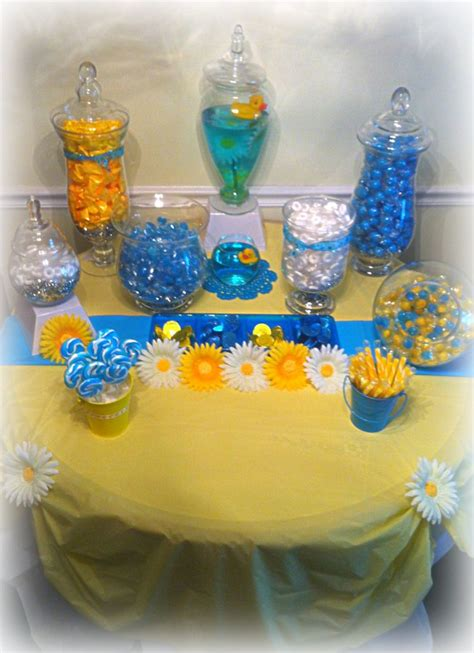 Rubber Duck Decorations by Best 25 Ducky Baby Showers Ideas On Baby