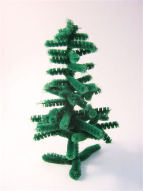 the craft arty kid old blog pipe cleaner christmas tree