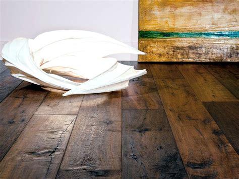commercial grade vinyl flooring that looks like wood