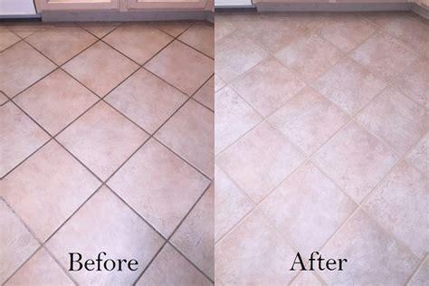 fughe piastrelle colorate pulire le fughe di piastrelle e pavimenti rimedi naturali