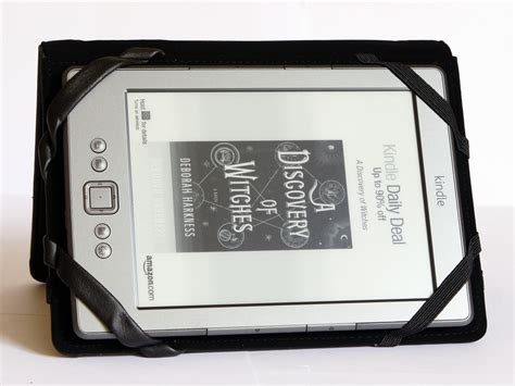 amazon kindle indonesia amazon kindle paperwhite kindle case in black red in