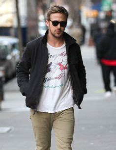 how should a 50 year old man dress for summer fashionable men on pinterest ryan gosling pleated pants