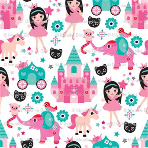 Crocs Princess Dreams In Bloom Fuchsia adorable pink princess dreams with unicorn elephants and magic sparkle fabric