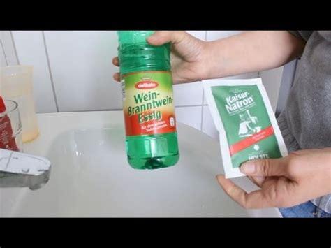abfluss reinigen hausmittel abfluss reinigen umweltfreundlich mit besten hausmitteln