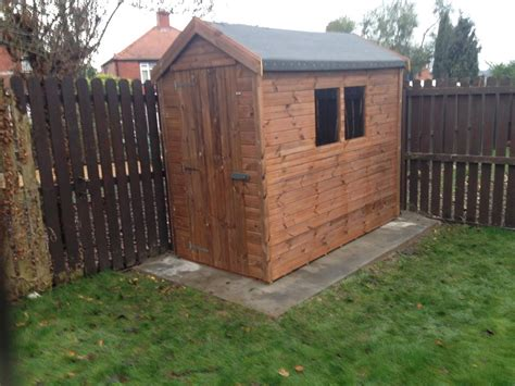 wooden garden shed    garden ideas
