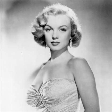 monroe s marilyn monroe s beauty evolution popsugar beauty