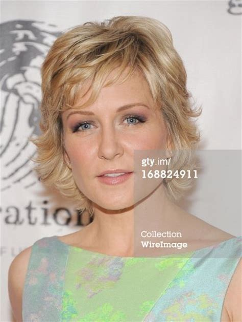 hairstyle of amy carlson amy carlson shag cut hair pinterest