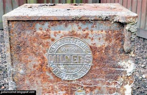 Spatula Besi Besar temui peti misteri di belakang rumah gaban comel