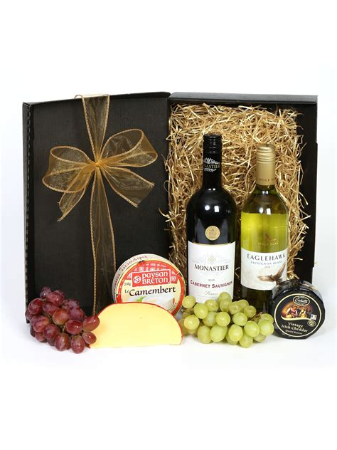 wine and cheese gift set