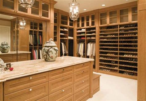 Luxery Closet by Luxury Closet Concepts