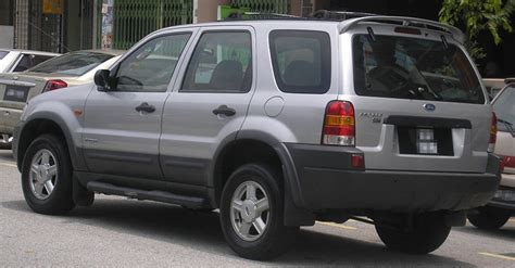 small engine maintenance and repair 2006 ford escape interior lighting file ford escape first generation rear serdang jpg wikimedia commons