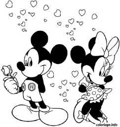 coloriage st valentin mickey est amoureux minnie dessin