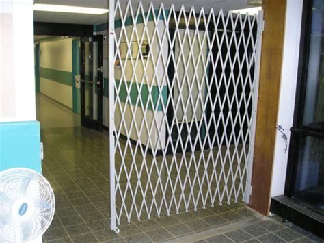 Expandable Room Divider - folding gate for room divider