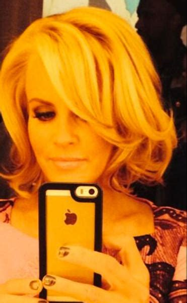 does jenny mccarthy have hair extensions jenny mccarthy chops off hair hit or miss the
