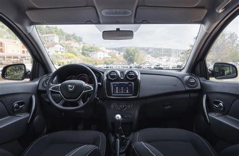 renault sandero 2017 interior renault logan y sandero con cambios en 2018 mega autos