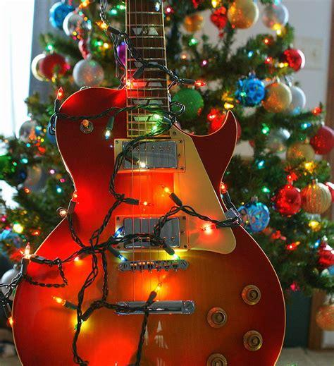 closed christmas eve daves guitar shop