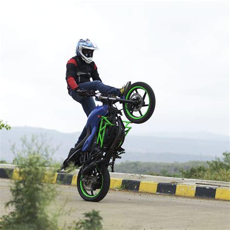 best bike stunts bike stunts www pixshark images galleries with a bite