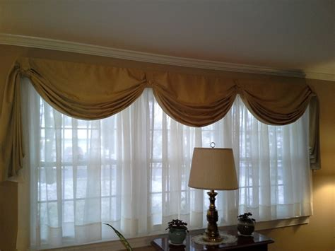 how to make fishtail swag curtains fishtail swag curtain on large window sewing pinterest