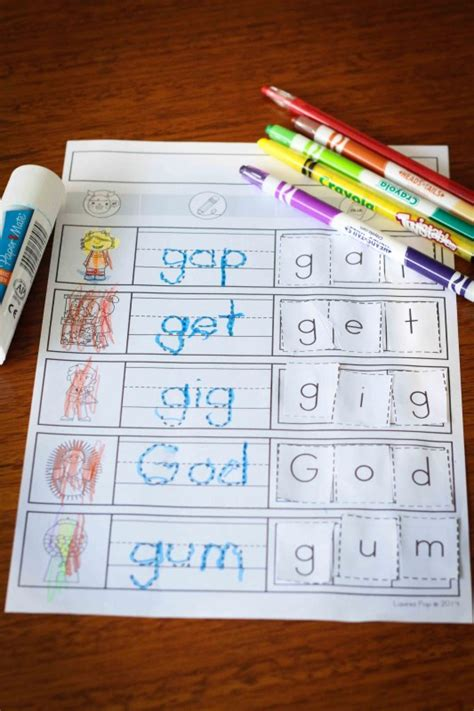 5 Letter Words Starting With D preschool letter g in my world