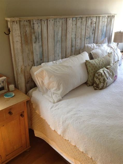 shipping pallet headboard best 25 shipping pallets ideas on pinterest pallet