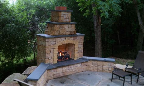 kasota outdoor fireplace with bluestone caps and gas log burnsville mn twin city fireplace
