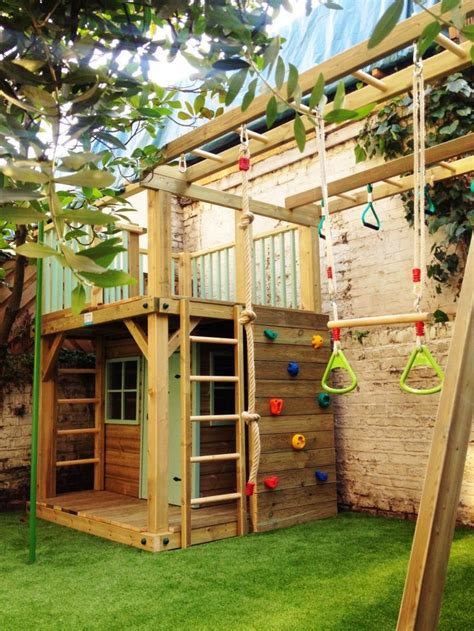Handmade Wooden Playhouse - 32 creative and outdoor kids play areas digsdigs