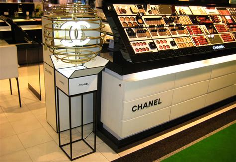 Chanel Stand punto consulting chanel