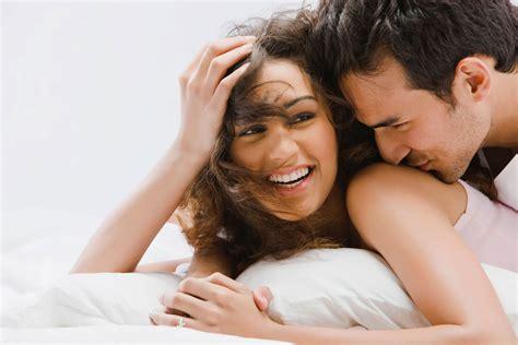sexuality man and woman in bedroom स क स करत समय इन ब त क रख ध य न ज दग भर य द रख ग
