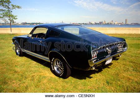 1967 classic ford mustang coupe in burgundy with torque