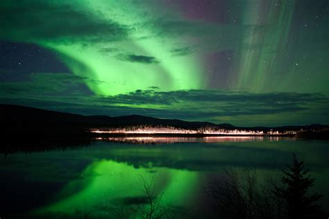 whitehorse yukon northern lights o canada how beautiful thee sandman says