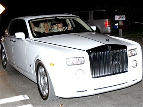 roll royce celebrity christina aguilera with her rolls royce phantom