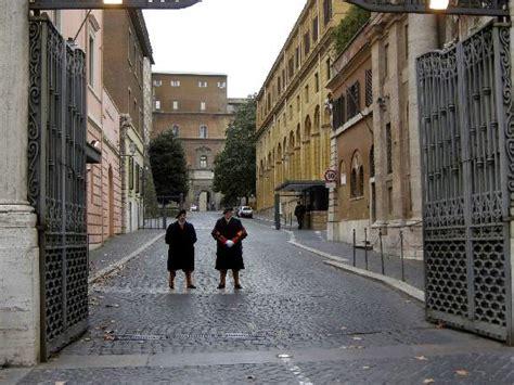 ingresso vaticano ingresso al vaticano da borgo pio foto di musei vaticani