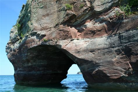 pictured rocks shipwreck boat tour photo gallery friday riptide ride in munising michigan