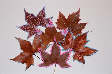 decorar hoja arbol mardefiesta hojas pintadas