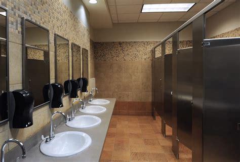 bagni pubblici bagni pubblici non sprecare