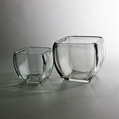 wholesale discounts on rounded square glass vases in san