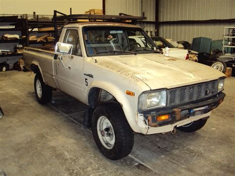 1982 Toyota Carburetor 1982 Toyota Up Regular Cab Bed Deluxe Model 2 4l