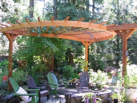 Pergola In Backyard by 25 Best Ideas About Curved Pergola On