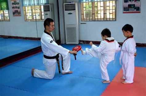 video tutorial karate free images train training learn class kick karate