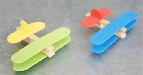 cara membuat pesawat terbang mainan dari kardus pesawat dari stick eskrim dan jepitan baju