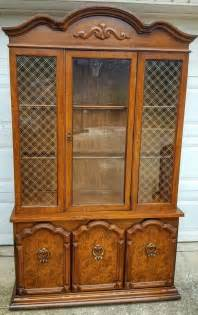 broyhill illuminated cabinet best vintage broyhill lighted china cabinet for sale in