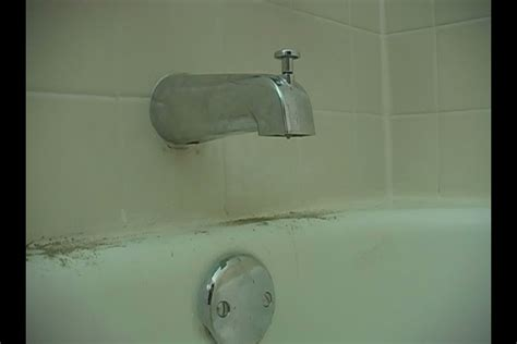 Water Leaking From Shower Faucet by Repairing Leaky Bathtub Faucets Bathtub Faucet